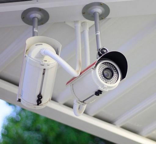 беспроводные камеры на заправке