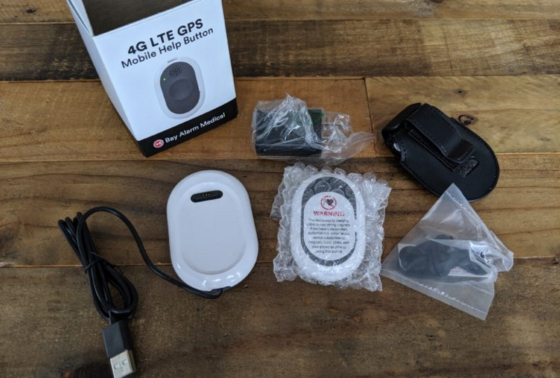 Комплект для установки тревожной кнопки. Источник фото: medicalalertbuyersguide.org