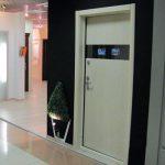 Что представляет собой дверь со встроенным видеонаблюдением – выбор и описание