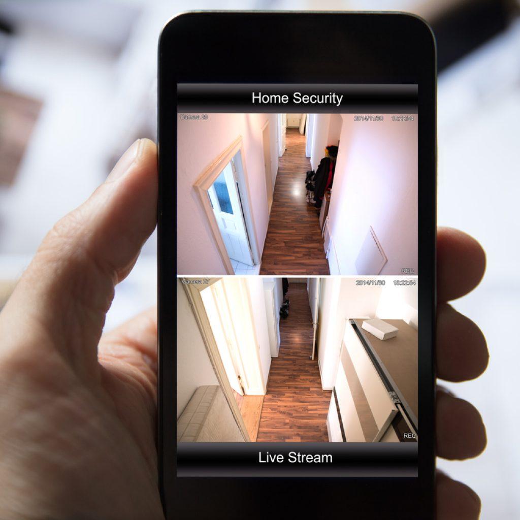 Умный дом управляется со смартфона